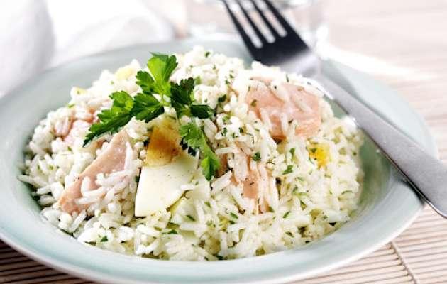 insalata riso salmone e uova