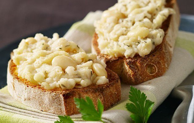 bruschetta fagioli bianchi